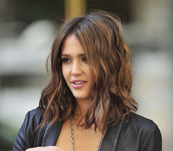 THE CLAVICUT – A mid-length bob, cut just below the shoulders. A perfect length, easy to wear up or down
