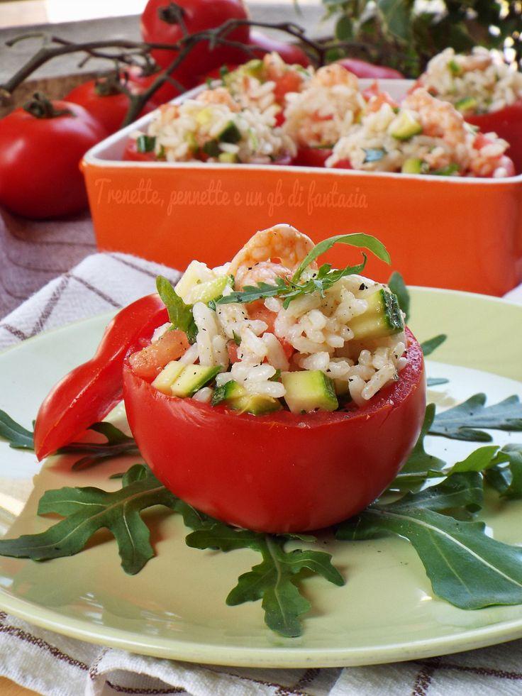 Pomodori freddi ripieni con riso e gamberetti