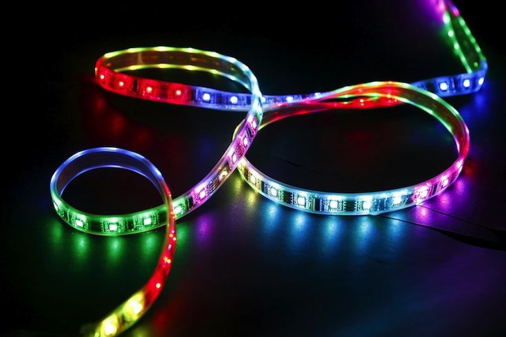 JEDNOFAREBNÉ LED PÁSY Rôzne typy jednofarebných LED pásikov, členené podľa svetelného výkonu   VIACFAREBNÉ LED PÁSY Dokážu svietiť ľubovoľnou farbou svetla vrátane dennej bielej   KOMPLETNÉ SADY Obsahujú všetko potrebné k zapojeniu a funkčnosti LED pásikov
