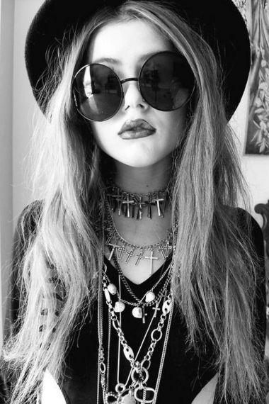 her lip, jewelry