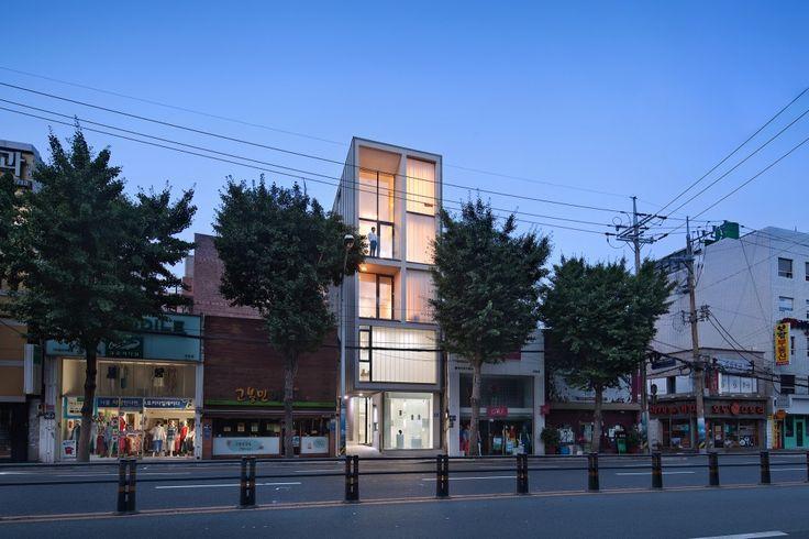 5x17 대청동 협소주택이 아키데일리에 게재되었습니다. [5x17]Daecheong-dong Small House / JMY architects