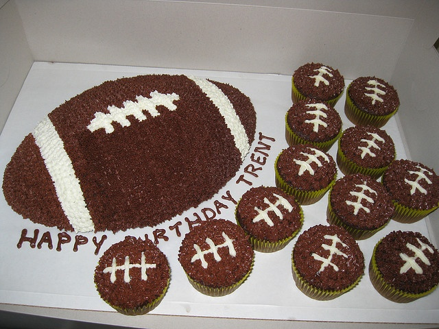 football cupcake cake 10 best ideas about football cupcake cakes on 4308