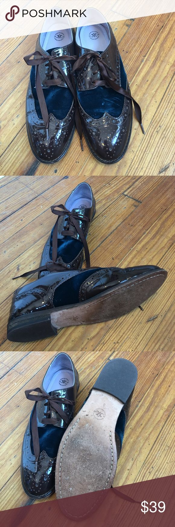 JOHNSON AND MURPHY BROWN NAVY TIE FLAT JOHNSON AND MURPHY SIZE  8 tie loafer brown patent and navy velvet accent. Very small irregularity on left velvet. Otherwise very good condition. THe shoe is a looker Johnson and Murphy Shoes Flats & Loafers