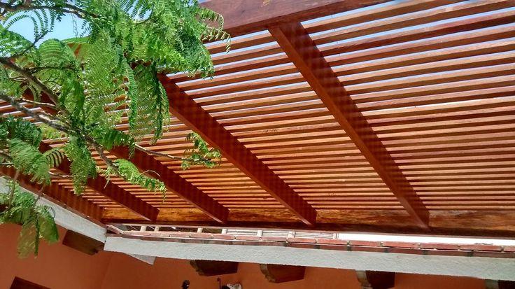 Techo sol y sombra de madera huayruro