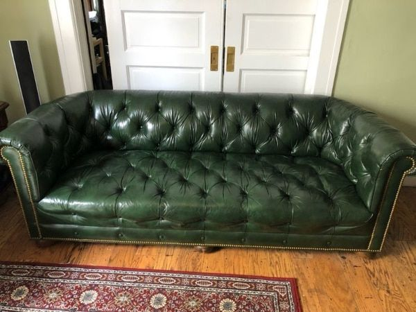 Used Vintage Green Leather Upholstered Chesterfield Sofa 1020755 For Sale I In 2020 Green Leather Chesterfield Sofa Green Chesterfield Sofa Living Room Color Schemes