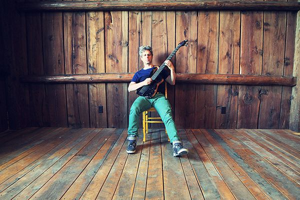 Mike Gordon's Reggae-Steeped 'Yarmouth Road' - Song Premiere  Read more: http://www.rollingstone.com/music/news/mike-gordons-reggae-steeped-yarmouth-road-song-premiere-20140114#ixzz2qO1OQMHR  Follow us: @Rolling Stone on Twitter   RollingStone on Facebook