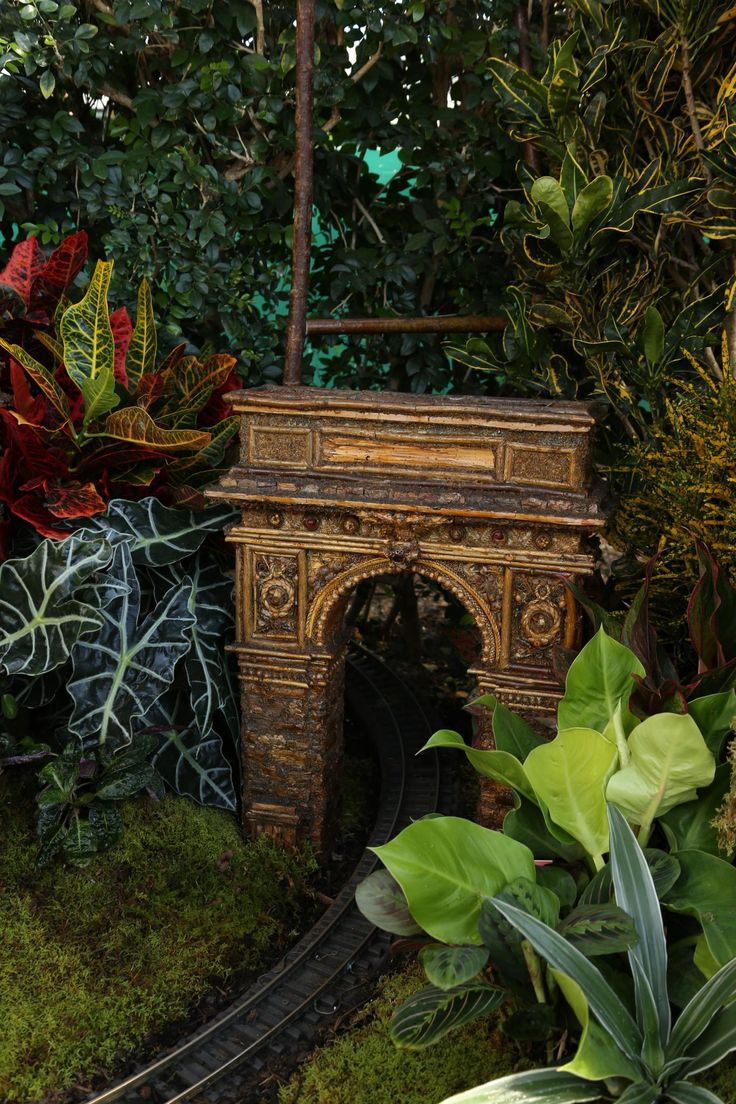 86 best New York Botanical Tain Show images on Pinterest | Holiday ...