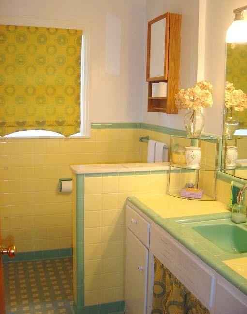 Toll Badezimmer, Gelb Badezimmer, Retro Badezimmer, 1950 Bad, Waschbecken,  Badezimmer Ideen, Meine Lieblingsfarbe, Farbkombinationen, Vintage Fliesen