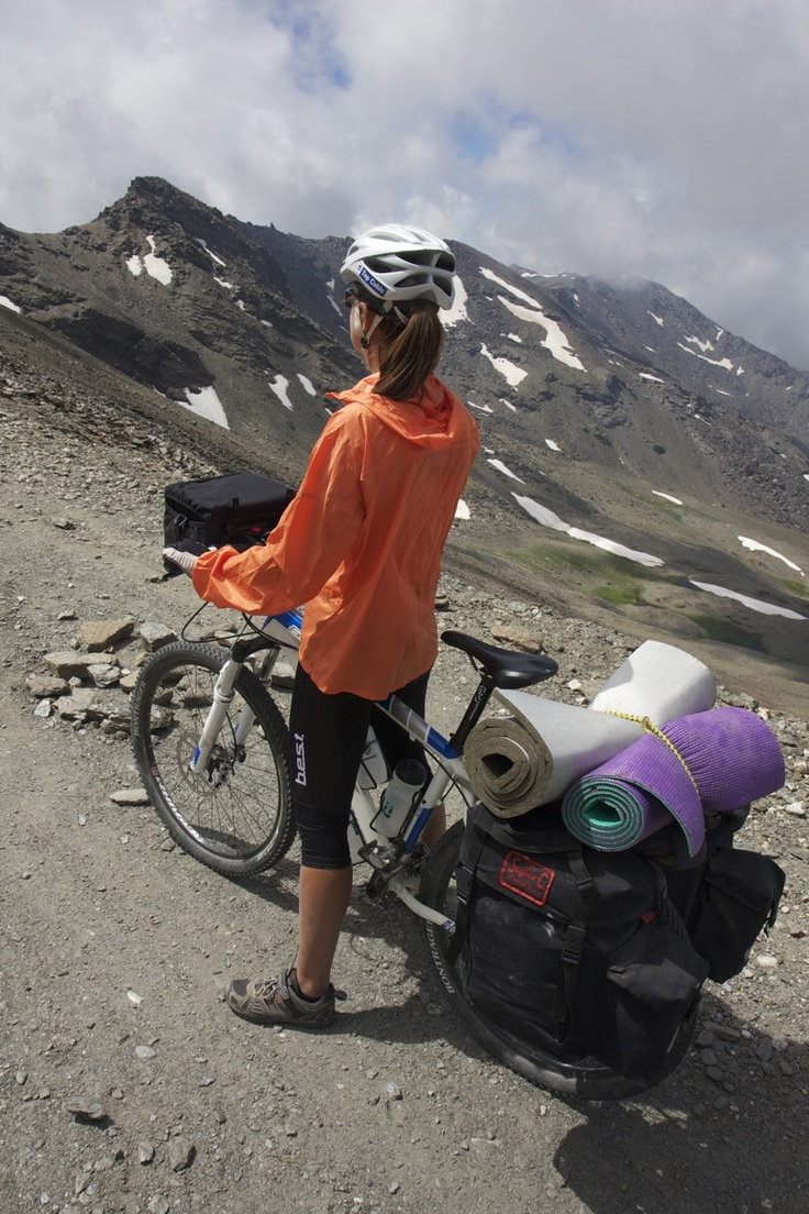 "www.conunparderuedas.com - Cycling through Sierra Nevada (Granada, Spain) on our way to Morocco's Toubkal, with Carradice ""Super C"" panniers & Old Man Mountain ""Sherpa"" rack"