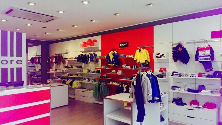 L'interno del nuovo Quore in via V. Veneto, 40 a Pozzallo (RG) #quorestore #nuoveaperture #newopening #abbigliamentobambino #kidswear #fashionwear