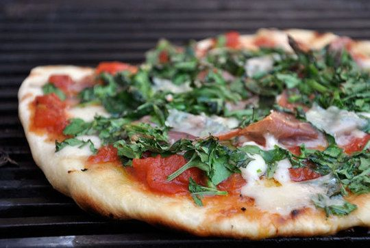 grilled pizzaItalian Recipe,  Pizza Pies, Pizza Recipes, Cooking Tips, Grilled Pizza, Homemade Pizza, Italian Food Recipe, Dinner Tonight, Italian Foods