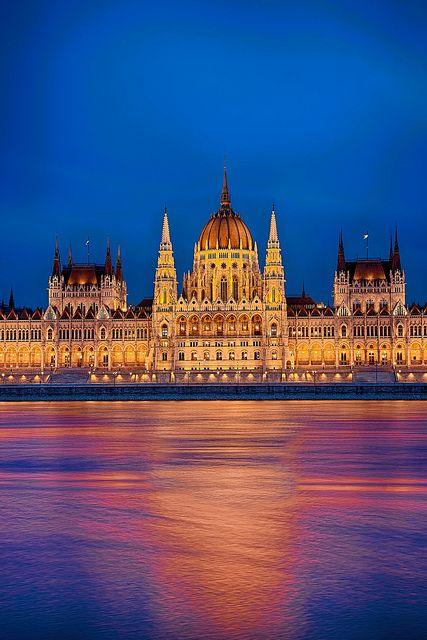 Sunset in Hungarian Parliament Building, Budapest, Hungary. Beautiful water...#beautiful