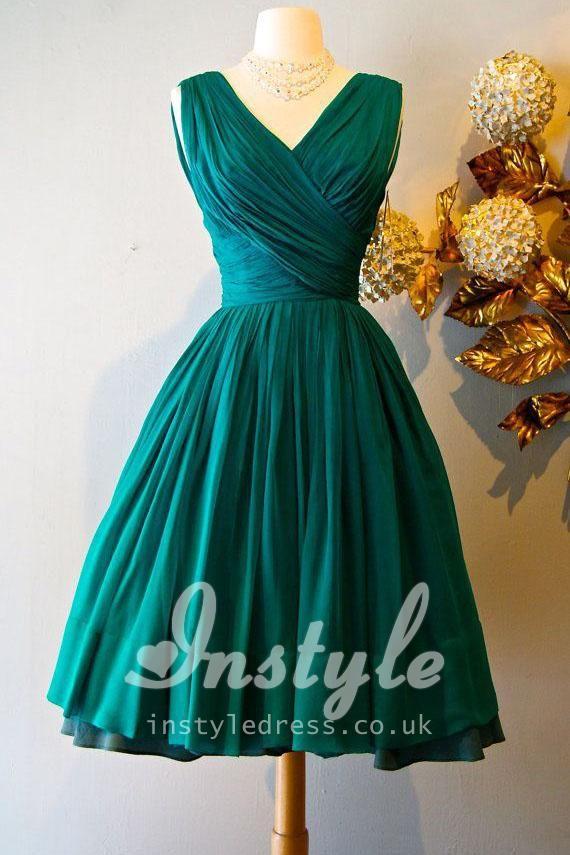 vintage sleeveless v-neck emerald green pleated knee length bridesmaid dress