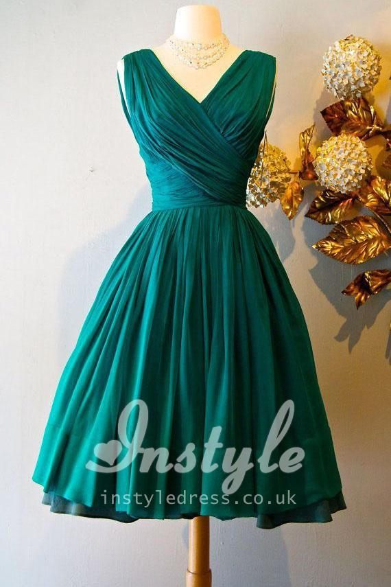 vintage sleeveless v-neck emerald green pleated knee length bridesmaid dress