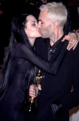 Angelina Jolie kissing her brother on the lips at the 2000 Academy Awards