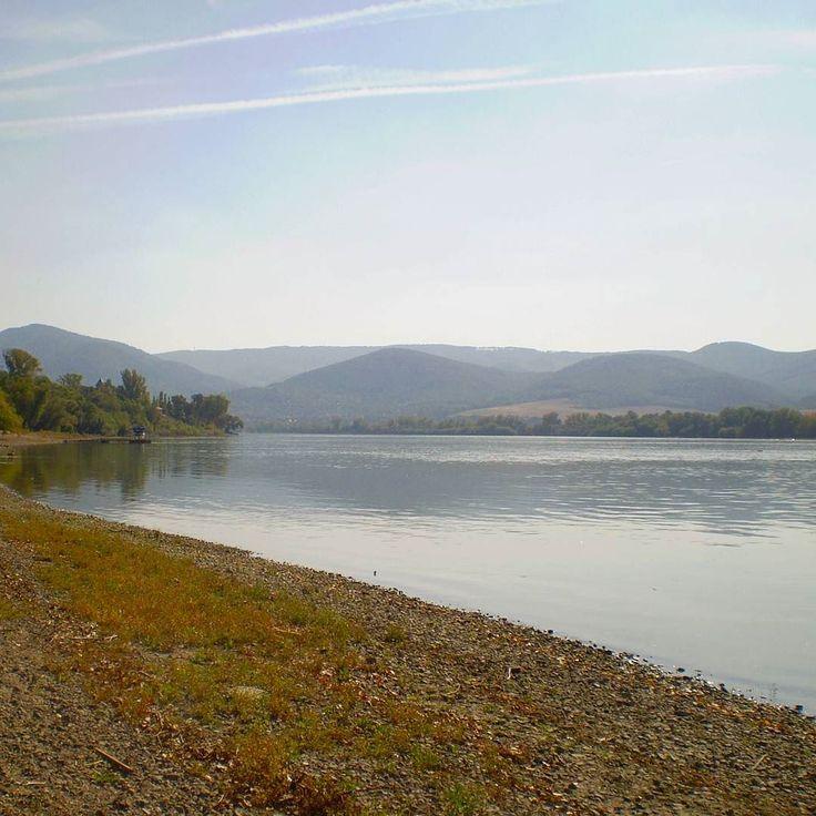 Archívum 40: Dunakanyar 2011. #autumn #memories #duna #dunakanyar #hungary #mik #instahun #latergram #picoftheday #river