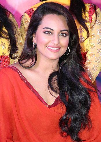 Sonakshi Sinha peeved over rumors of her lovemaking scene!