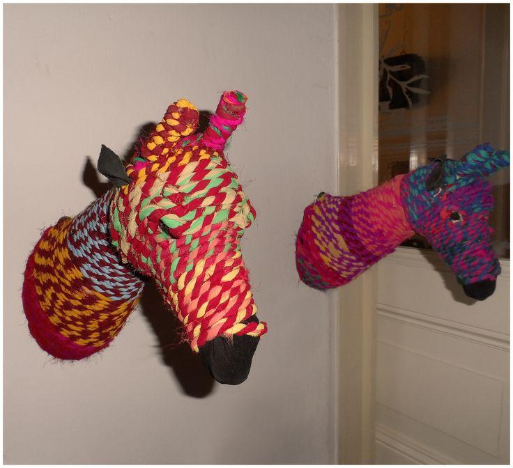 NIEUW  |  Dierenkop #Giraffe  #Handgemaakt van sari #touw, gemaakt van sari's die vrouwen in #India dragen. Heel kleurrijk voor aan de muur. Elk hoofd is uniek van kleur. #indistrieel #Middelburg #dam61 #industrieel #indiaas