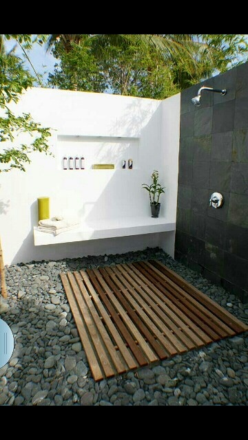 1000 images about home outdoor shower on pinterest for Outdoor shower floor ideas