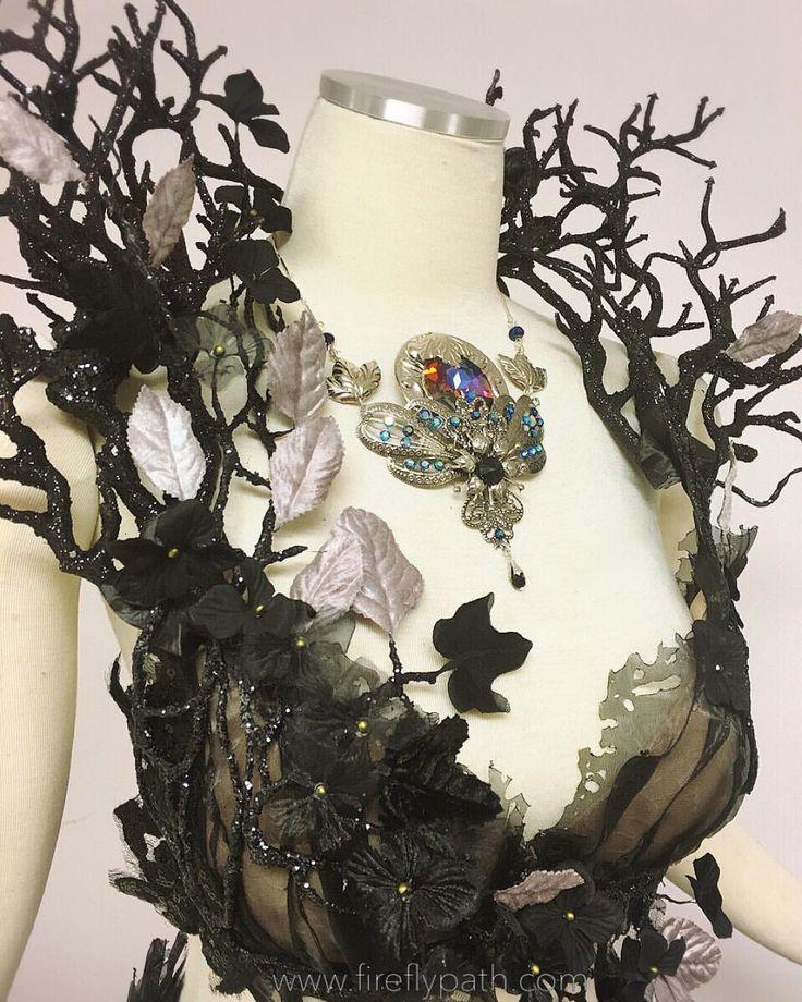 Shoulder inspiration. Ysera - dress version. Dress by Firefly Path.