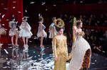Le compte rendu du défilé de mode de la marque Guo Pei - Printemps-Été 2018...