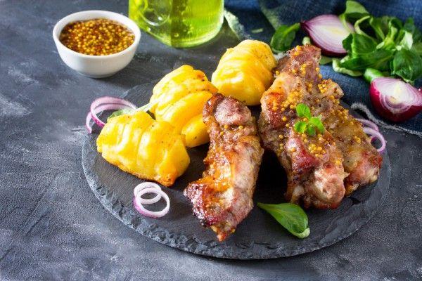 Свиные ребрышки в медово-горчичном соусе, ссылка на рецепт - https://recase.org/svinye-rebryshki-v-medovo-gorchichnom-souse/  #Мясо #блюдо #кухня #пища #рецепты #кулинария #еда #блюда #food #cook