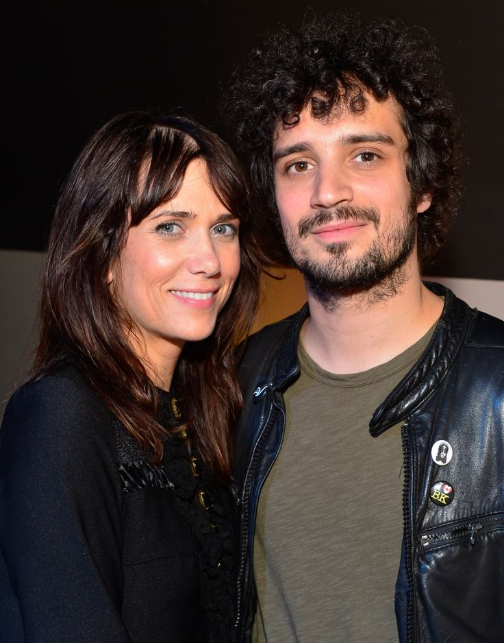 KRISTEN WIIG and Fabrizio Moretti PICTURES PHOTOS and IMAGES