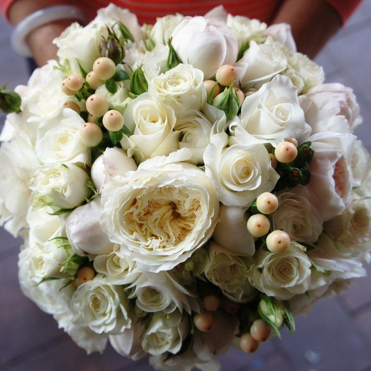 Bridesmaid's bouquet. For more wedding flower designs go to www.naomijones.com.au.