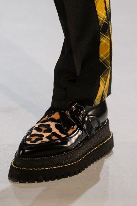 30b1d41644582 Le scarpe di moda per l Autunno Inverno 2018 2019 viste alle sfilate sono i