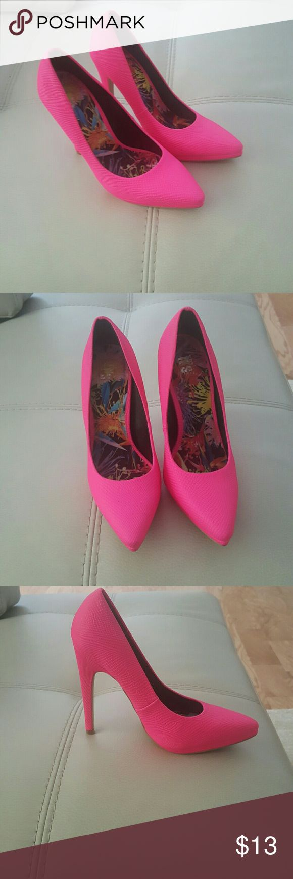 It's Fashion Pink Women's Platform Heel A perfect pop of vibrant color for any outfit!!  Heel Height= 5 inch Platform= 1inch its Fashion Shoes Platforms