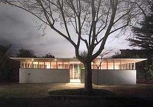 Courtyard house by Robin Boyd. Won the 1954 Architecture Medal. Hill Street, Toorak. Melbourne Australia.