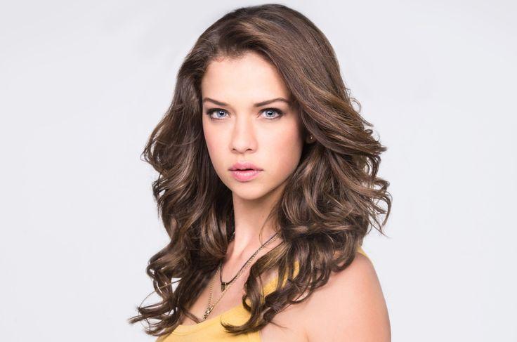 Carolina Miranda as Vicenta Acero