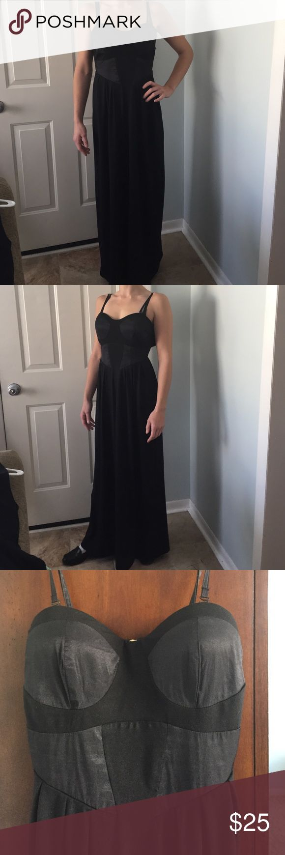 Size S Kardashian Kollection fall 2011 dress Size S Kardashian Kollection fall 2011 evening dress.  Perfect for that New Years Eve party!  Gently pre owned. Kardashian Kollection Dresses Maxi