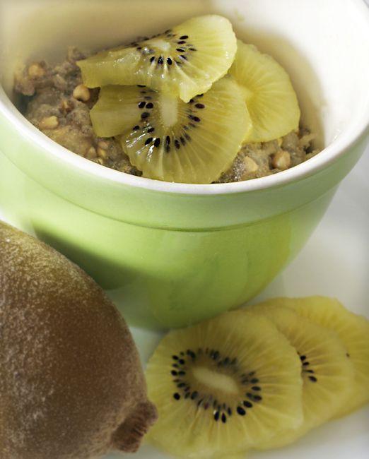 Golden Kiwi Quinoa Bake   http://omnomally.com/2011/07/18/kiwi-fruit-quinoa-bake/