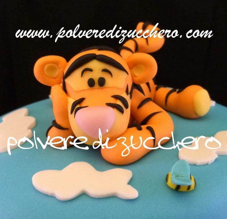 Polvere di Zucchero: cake design e sugar art.Corsi decorazione torte,biscotti e cupcakes: Torta Tigro, Pooh, Pimpi, Ih-Oh su due piani