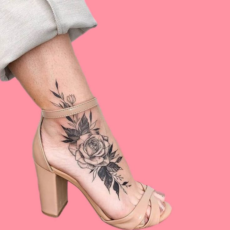 44 wonderful foot tattoos to try on foot and ankle 2020