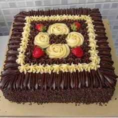 Aprenda a fazer 3 Receitas de Ganache em Ponto de Bico e supreenda a todos com a decoração dos seus bolos!