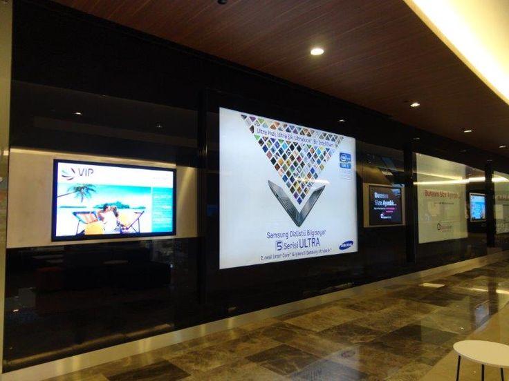 Trump Towers Mall içindeki tüm dijital bilgi panoları ve reklam sisteminin yanı sıra yönetim hizmeti de Kiosk İnnova tarafından sağlanıyor.