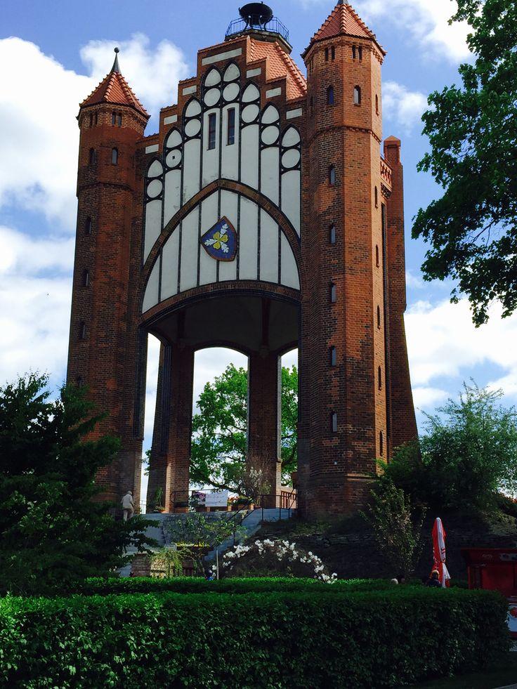 Die diesjährige Bundesgartenschau BUGA 2015 geht am blauen Band der Havel entlang An 5 Orten. Brandenburg, Rathenow, Premnitz, Stölln, Havelberg. Hier gibt es Impressionen aus Rathenow. Mit einem K…
