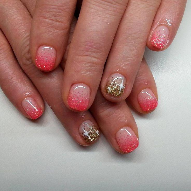 #notpolish #nails #nailart #fashion #naildesign #nails2016 #crystalnails #nailstagram #crystalnailsnailart #budapest #instanails #instagood #nagel #naildecor #instadaily #mik #ikozosseg #nailoftheday #nails2inspire #köröm #műköröm #handpainted #likeforlike #gellak #körömdíszítés #dailynailart #glitter #star #gold #korall