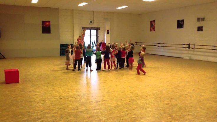 Kleuterdans Dansschool Q-Dance - DE REGENDANS -  2012 2013