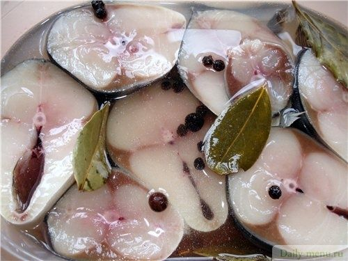 Предлагаю вашему вниманию рецепт скороспелой селёдка (скумбрии,сёмги).Необходимо взять около 2 кг свежемороженойсельдиили скумбрии, почистить рыбу, порезать кусочками толщиной около 2см и добавить …