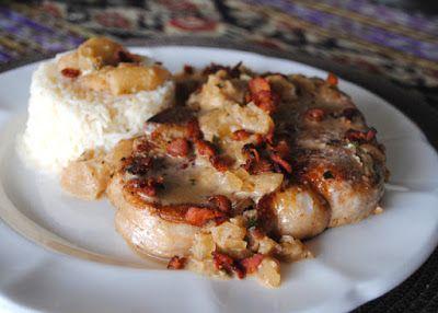 Невыразимая легкость кулинарного бытия...: Свиные отбивные с беконом и яблоками