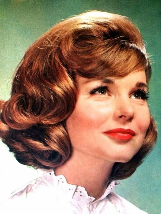 Charming 1960s hair, Prinses (Dutch) February 1963
