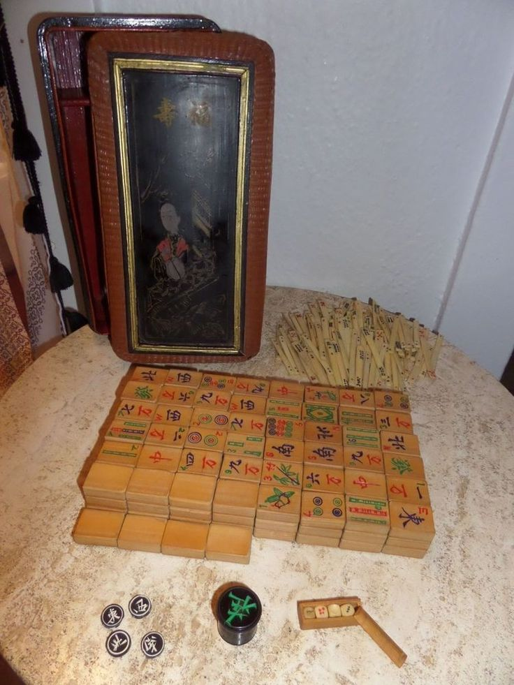GORGEOUS COMPLETE EARLY 1900'S CHINESE MAHJONG SET BOX 129 BONE COUNTERS 148 BAMBOO TILES & DICE $200 #antique #vintage #games #mahjong #mah-jongg #bamboo #wood #bone #dice #box #chinese #bakelight #handcarved #beautiful #decor #collection #collector #collect #ebay #shop #set #oriental #asian #pretty #complete