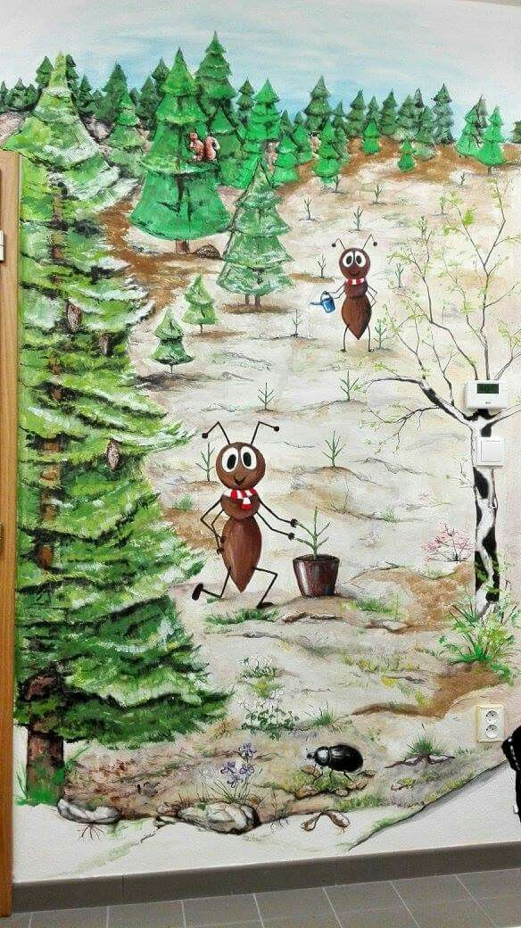 Forest _ ant _ Spring. Mravenec Lesík