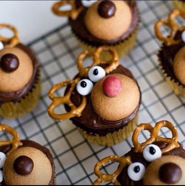 Christmas food ideas: Cupcakes Rudolph, Christmas Food, Pretzels Cupcakes, C Cakes, Rudolph Cupcakes, Cupcakes Reindeer, Reindeer Cupcakes, Raindeer Cupcakes, Christmas Cupcakes