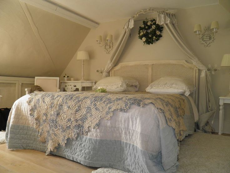 17 best images about interieurs shabby charme de loulou on for Deco chambre charme
