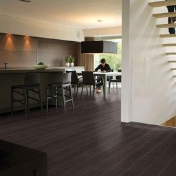Buy cheap QuickStep ELITE Black Varnished Oak Planks Laminate Flooring 8 mm from our range of laminate flooring. Call for advice & best price on 020 88309787.