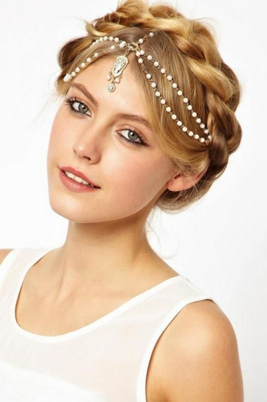 Pearl Decorated Hair Accessory I wish I could pull something like this off
